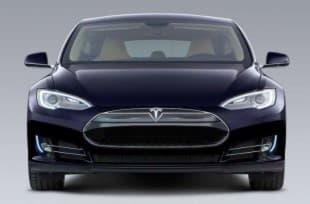 Tesla Model S вид спереди