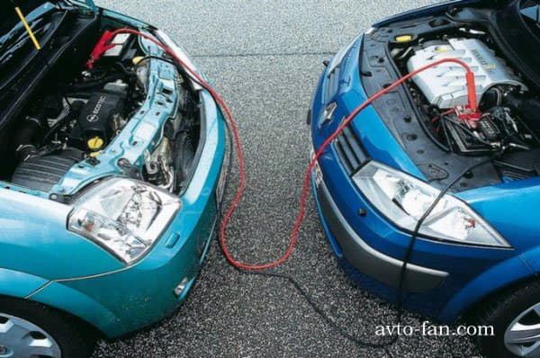 Правила прикуривания из аккумуляторной батареи