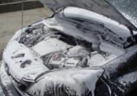 Мыть ли двигатель