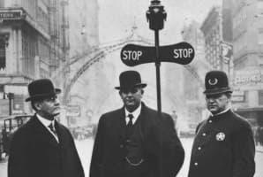 Автоматический светофор 1910 года
