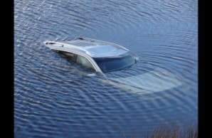 Как спасти утонувшую машину