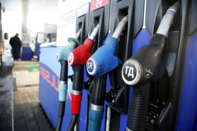 Как долго можно хранить топливо в баке автомобиля