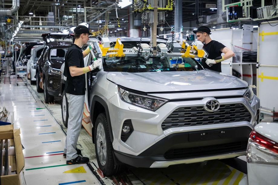 Toyota, VW и Ford  сокращают производство