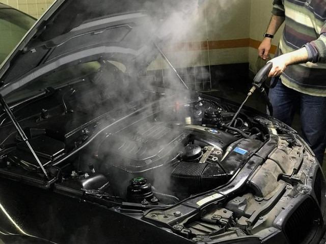 Как помыть двигатель современного автомобиля, не причинив ему вреда